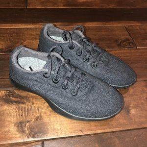 Women's size 8 allbirds wool sneakers